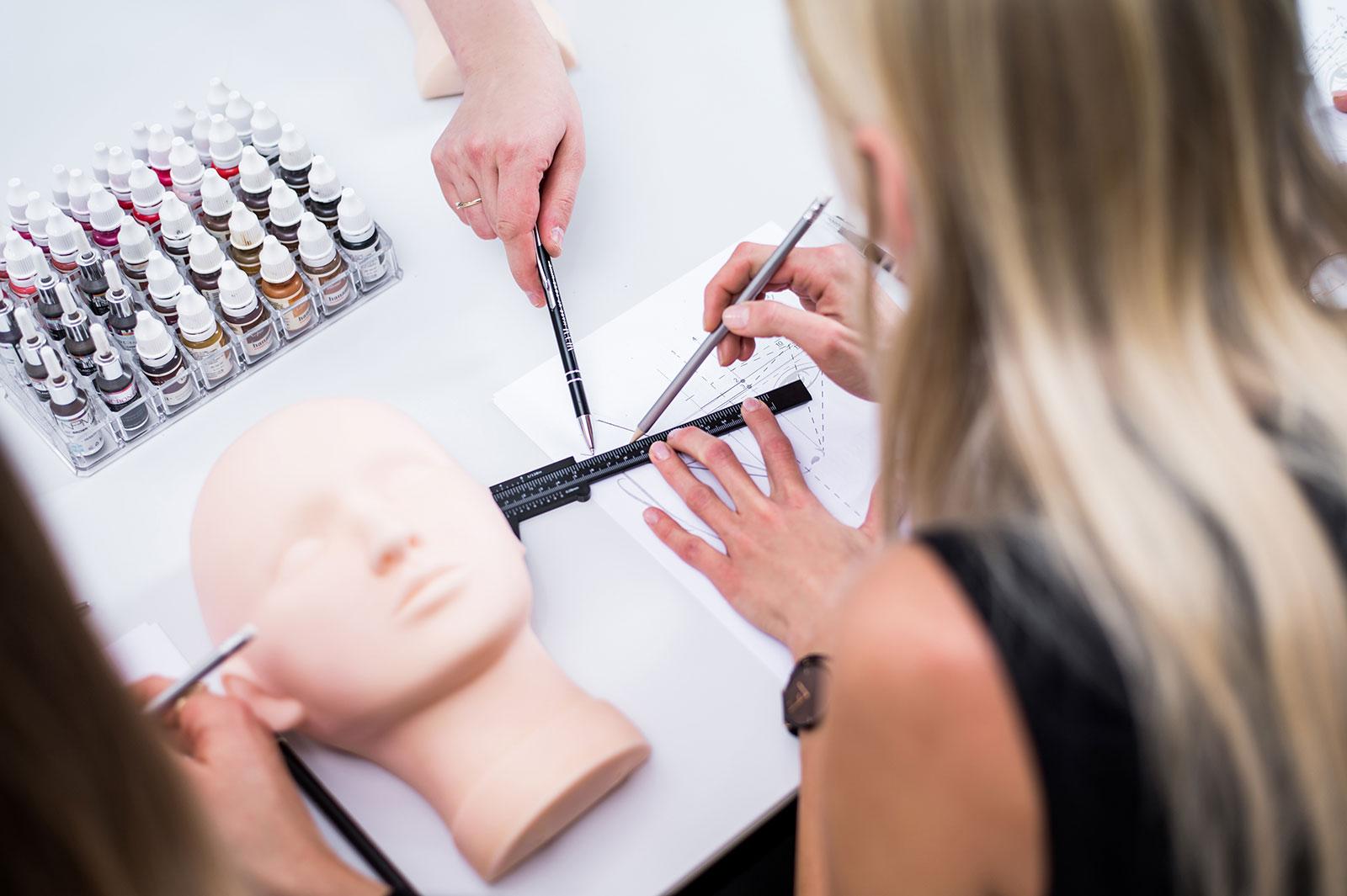 Jak utrzymać dobry stan makijażu permanentnego pozabiegu?